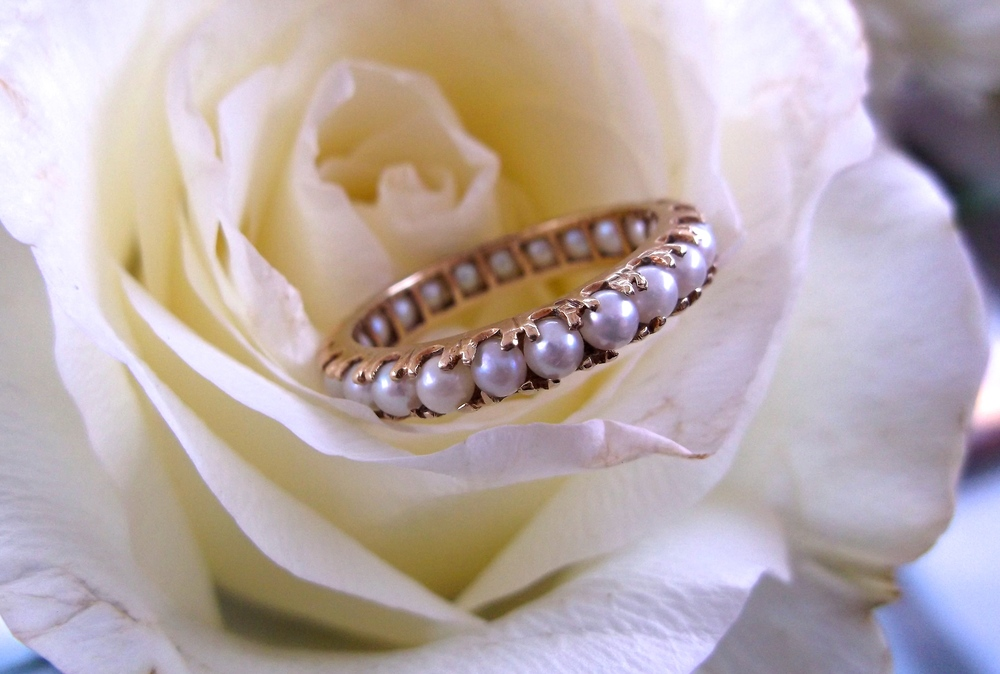 SOLD - Lovely pearl and yellow gold eternity band (size 7).