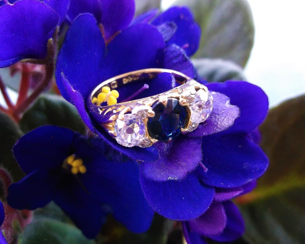 SOLD - Beautiful Victorian Era sapphire and Old Mine cut diamond ring in a lovely yellow gold scroll detail setting.