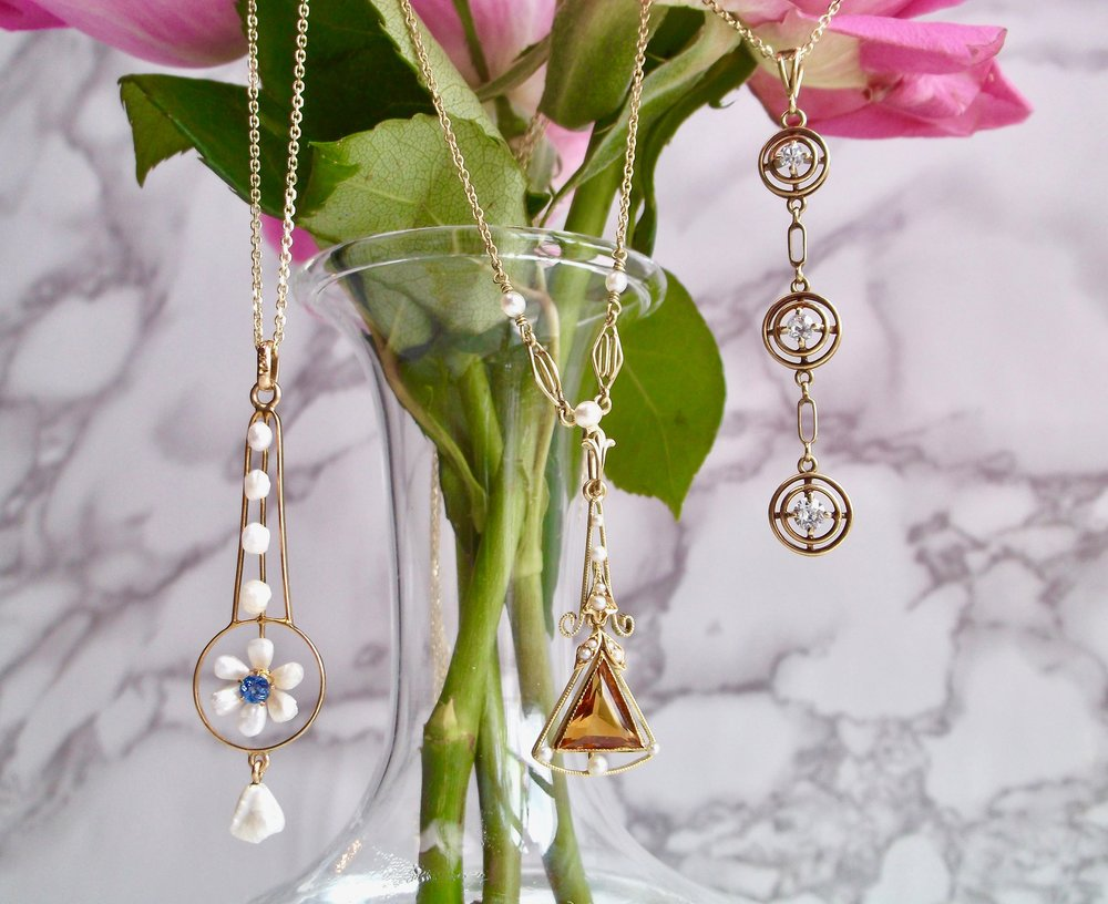 We're lusting over these Victorian lavalier pendants! Featuring pearls, diamonds a citrine and a sapphire, these are all to die for! Shop all three and more  HERE