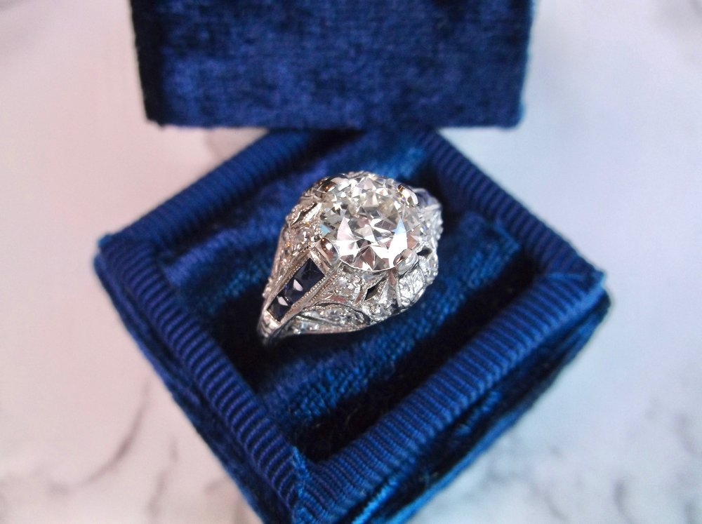 You can do no wrong with a little sapphire accents! Shop this gorgeous ring  HERE.