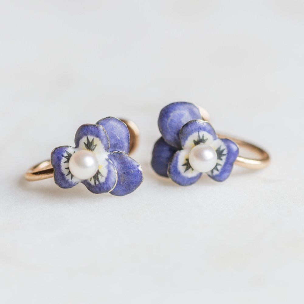 Give mom flowers this Mother's Day that will last a life time! Shop these sweet pansy enamel earrings  HERE .