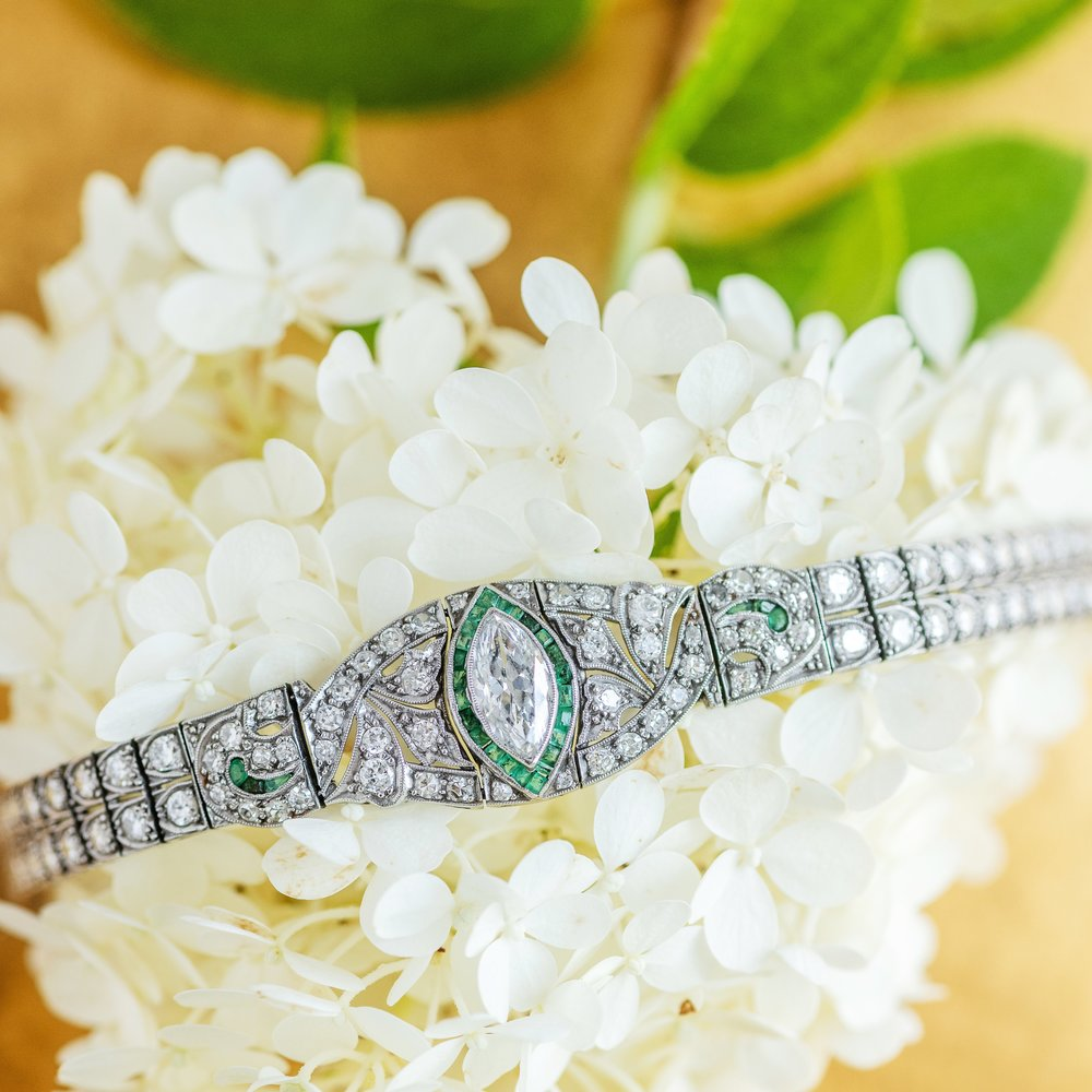8.88 carats of diamonds and 1 carat of emeralds in an Art Deco bracelet that will never go out of style. What more do we need to say? 🍾🥂💚 Top to shop this beauty  HERE