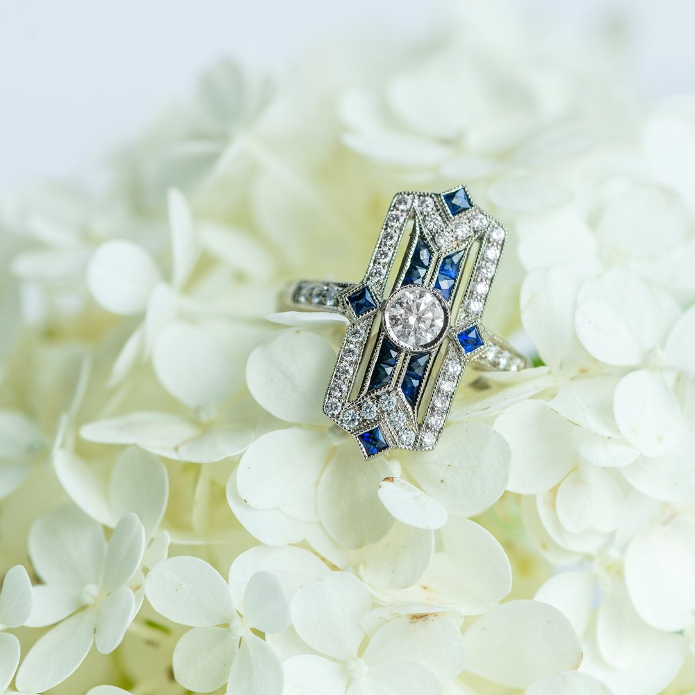 🌼Like a flower among flowers🌼 Shop this gorgeous Art Deco inspired ring  HERE  😍
