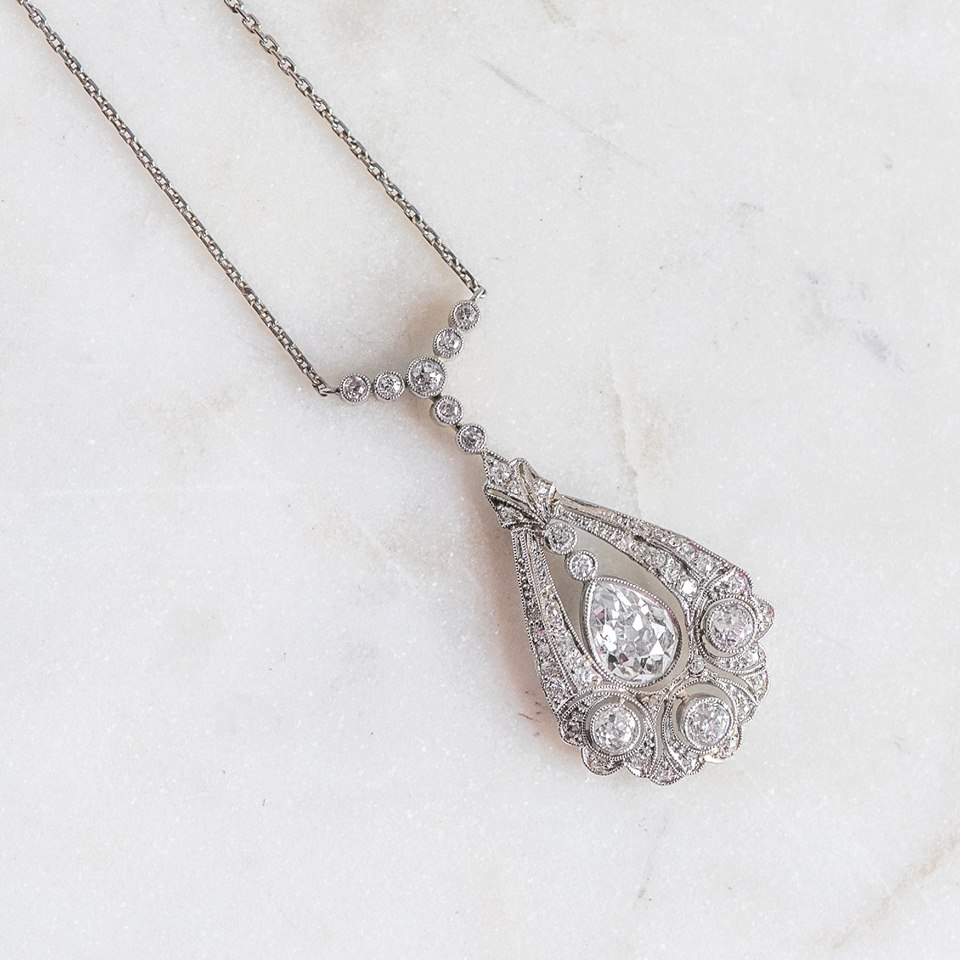 No, you're not dreaming. Yes, this Edwardian diamond pendant could be yours....😉 Shop this beauty  HERE !
