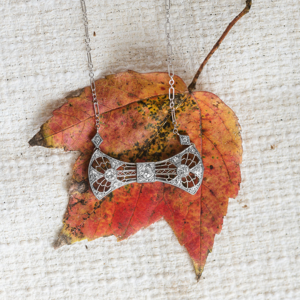 And just like that, it's November 1st and holiday preparations are underway! Did you know that you can make your very own Walton's wishlist? Come add a few things that you would like a special someone to know you're wishing for 😉🍁🍂  Or just cut to the chase and tap  HERE  to shop this gorgeous pendant RIGHT NOW