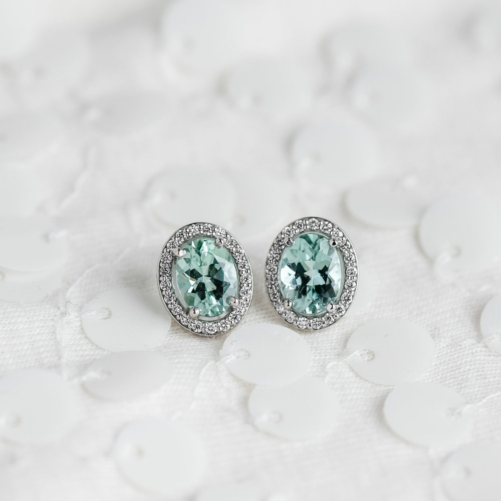 Who's ready to trade those Autumn reds and yellows for Winter whites and icy blues?!  Shop these dreamy earrings  HERE !