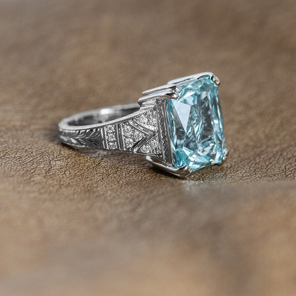 Baby, it's cold outside- but we're still swimming in the deep blue of this almost 9 carat Aquamarine! Shop  HERE .