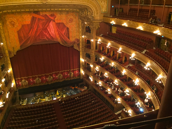 The wonderful old lady, Teatro Colon