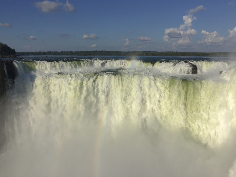 mighty_devil's_throat_iguazu_falls.jpg