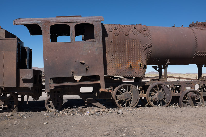 train_graveyard_uyuni_salt_flats_tour_bolivia_2.jpg