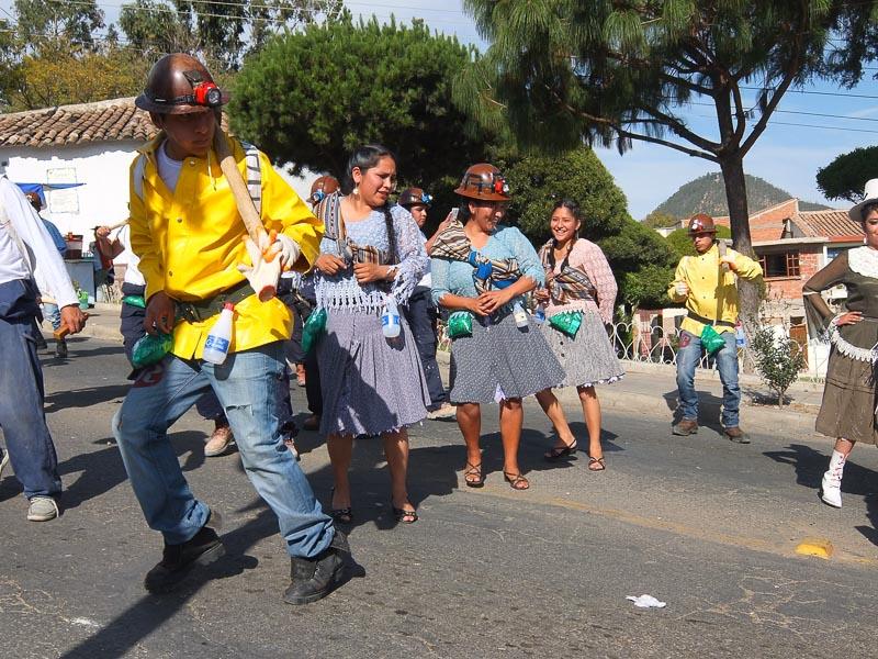 folklorica_festival_sucre_bolivia.jpg