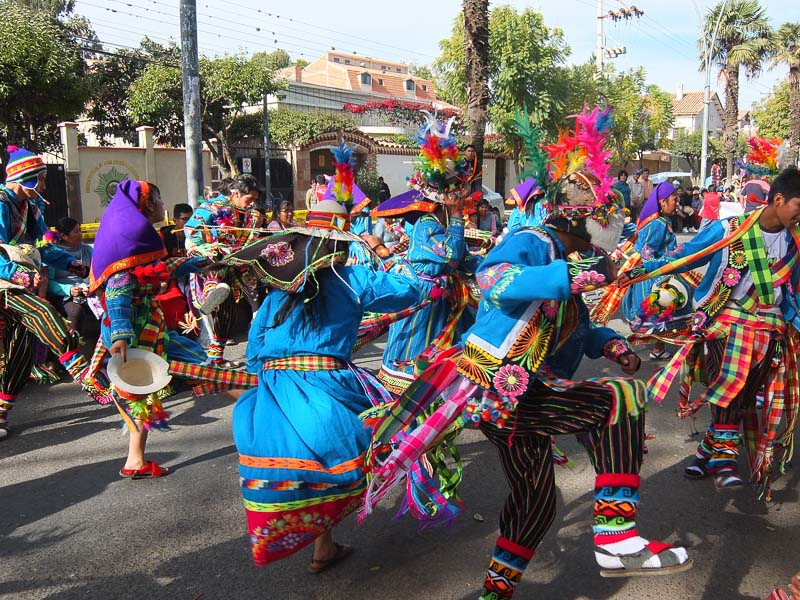folklorica_festival_sucre_bolivia_1.jpg