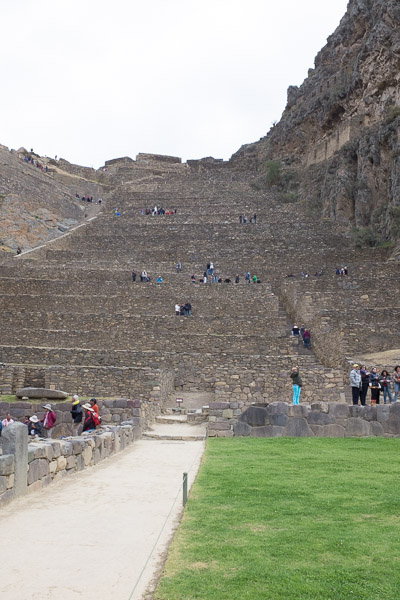ollantaytambo_inca_ruins_sacred_valley_peru.jpg