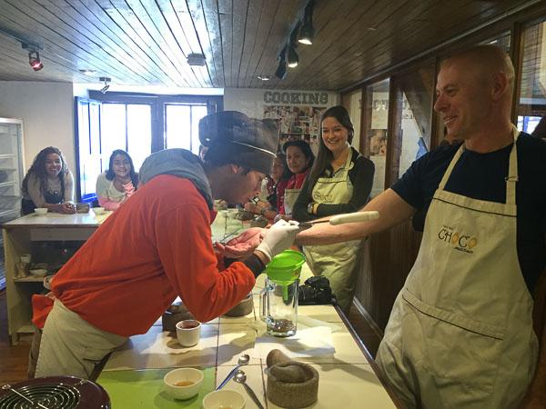 chocolate_making_choco_museo_cusco.jpg
