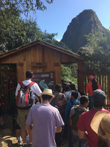 wayna_picchu_entrance.jpg