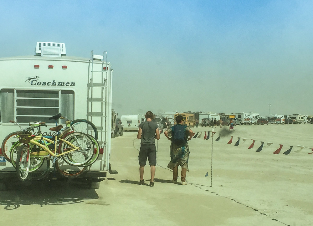 burning_man_entrance_queue.jpg