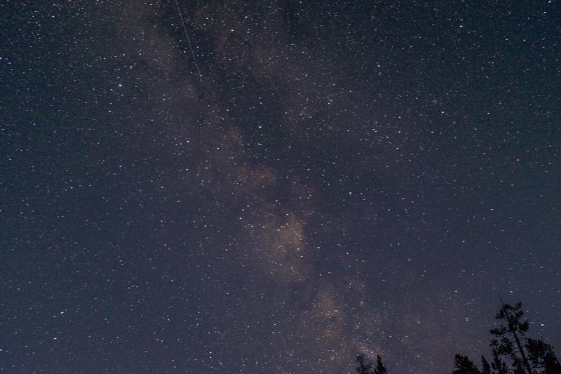 starry_night_yellowstone_national_park.jpg