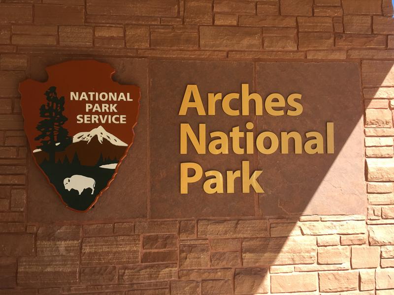 arches_national_park_utah_sign.jpg