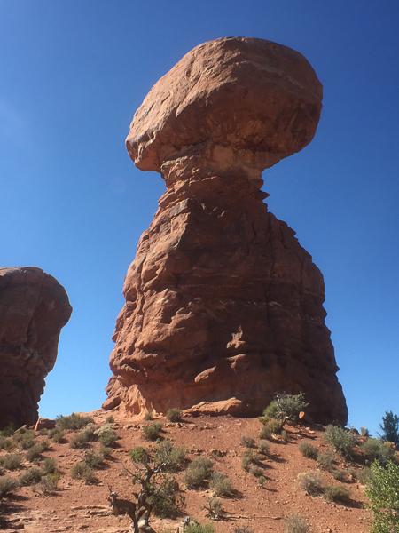 balanced_rock_arches_national_park_utah.jpg
