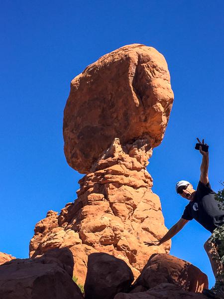 balanced_rock_2_arches_national_park_utah.jpg