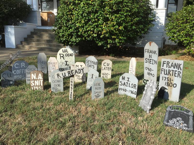 graveyard_garden_halloween.jpg
