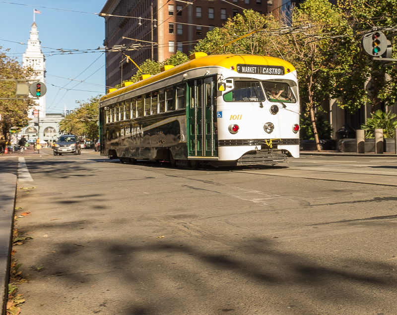 san_francisco_old_style_trolley_bus.jpg