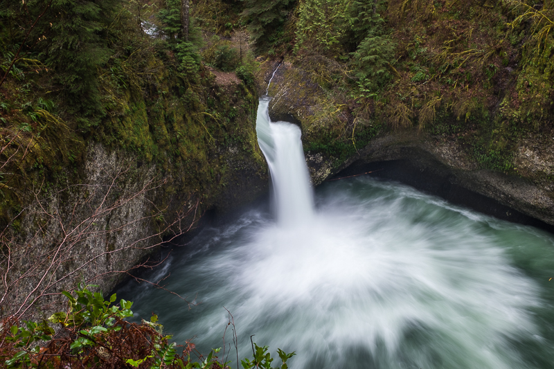 punch_bowl_waterfall_columbia_river_gorge.jpg