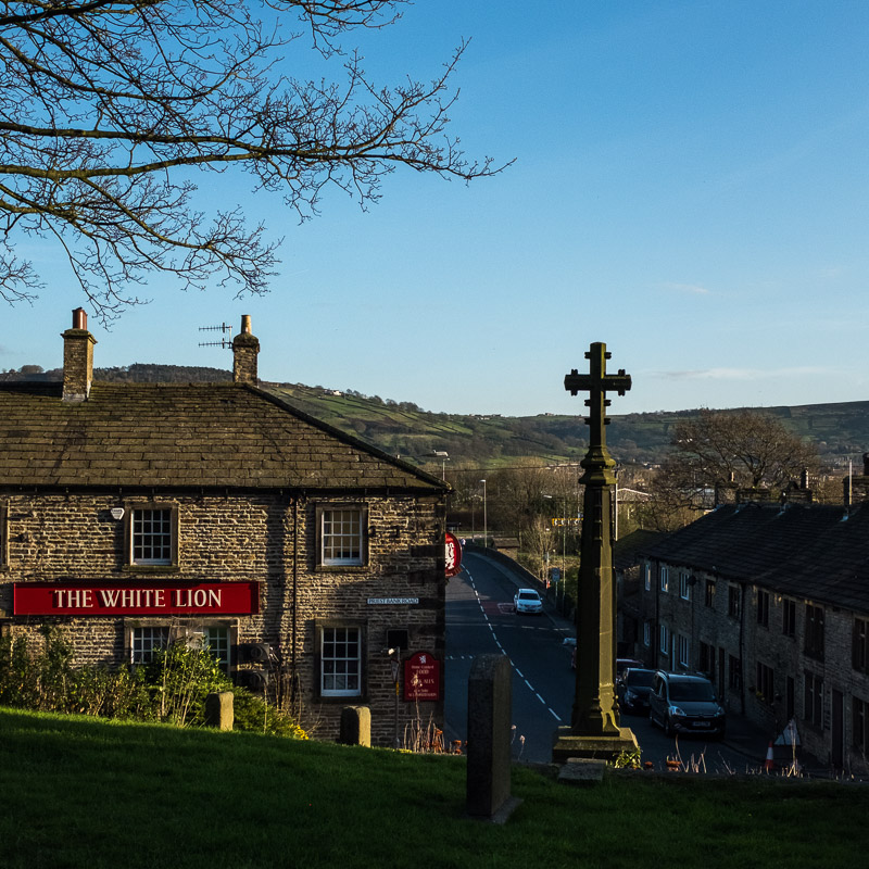 The White Lion_Farnhill_Yorkshire.jpg