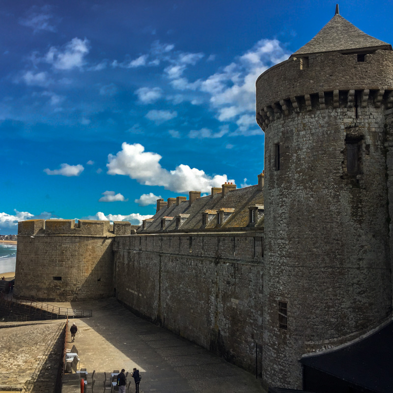 st_malo_town_wall.jpg