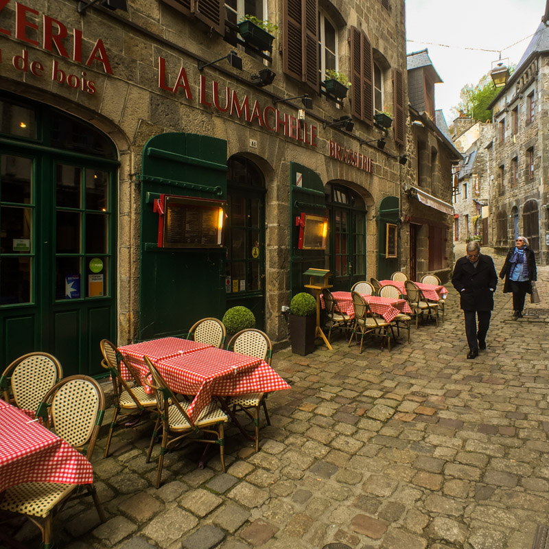 cobbled_street_dinan_france.jpg