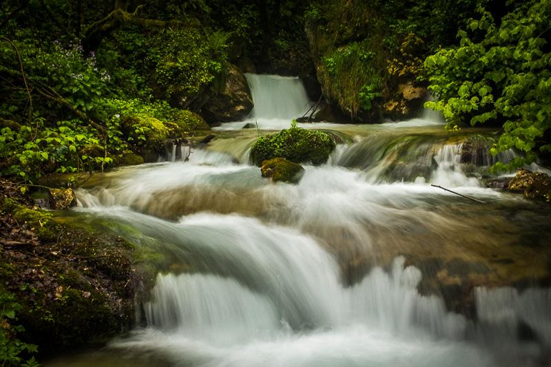 waterfall_gole_dell_infernaccio_marche_italy.jpg