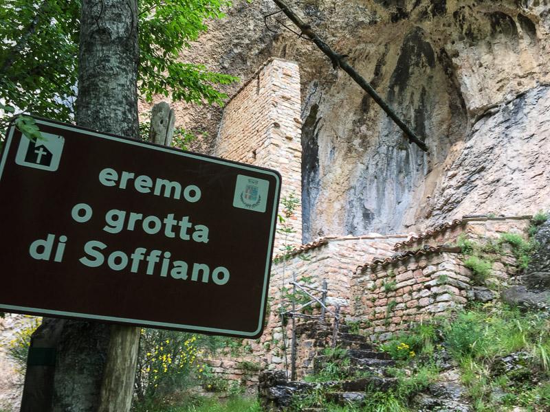 eremo_o_grotta_di_soffiano_marche_italy.jpg
