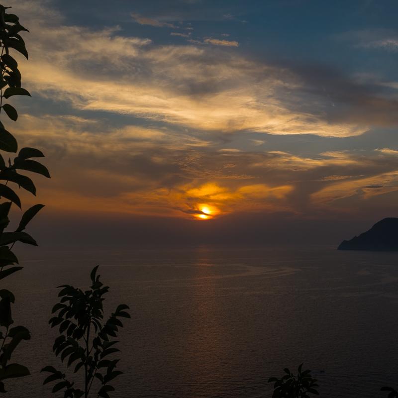 cinque_terre_sunset_2.jpg