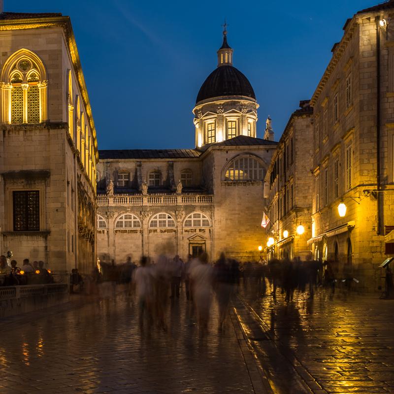 dubrovnik_old_city_street_night_shot.jpg