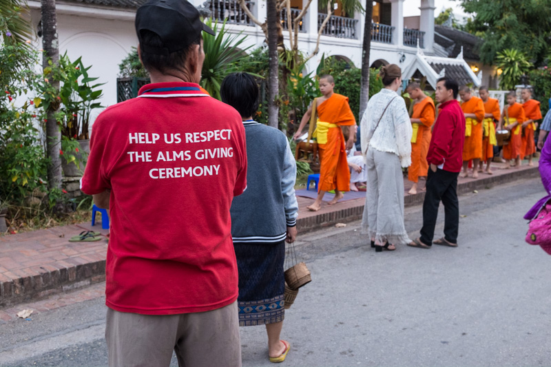 warden_alms_giving_cermony_luang_prabang.jpg