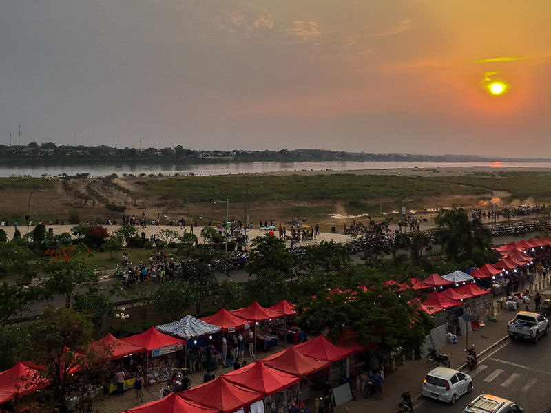 sunset_on_the_mekong_vientiane.jpg