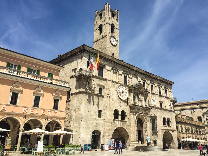 Italian Day Tripper; 19 Hilltop Towns