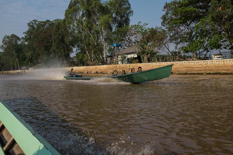 long_tailed_tourist_boat_inle_lake_myanmar.jpg