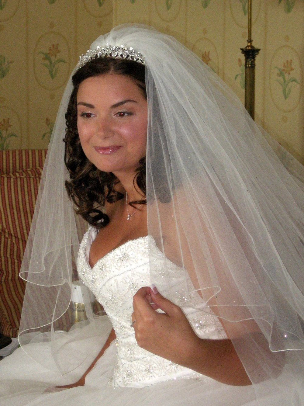 Brides with veils — Lovehair & Co