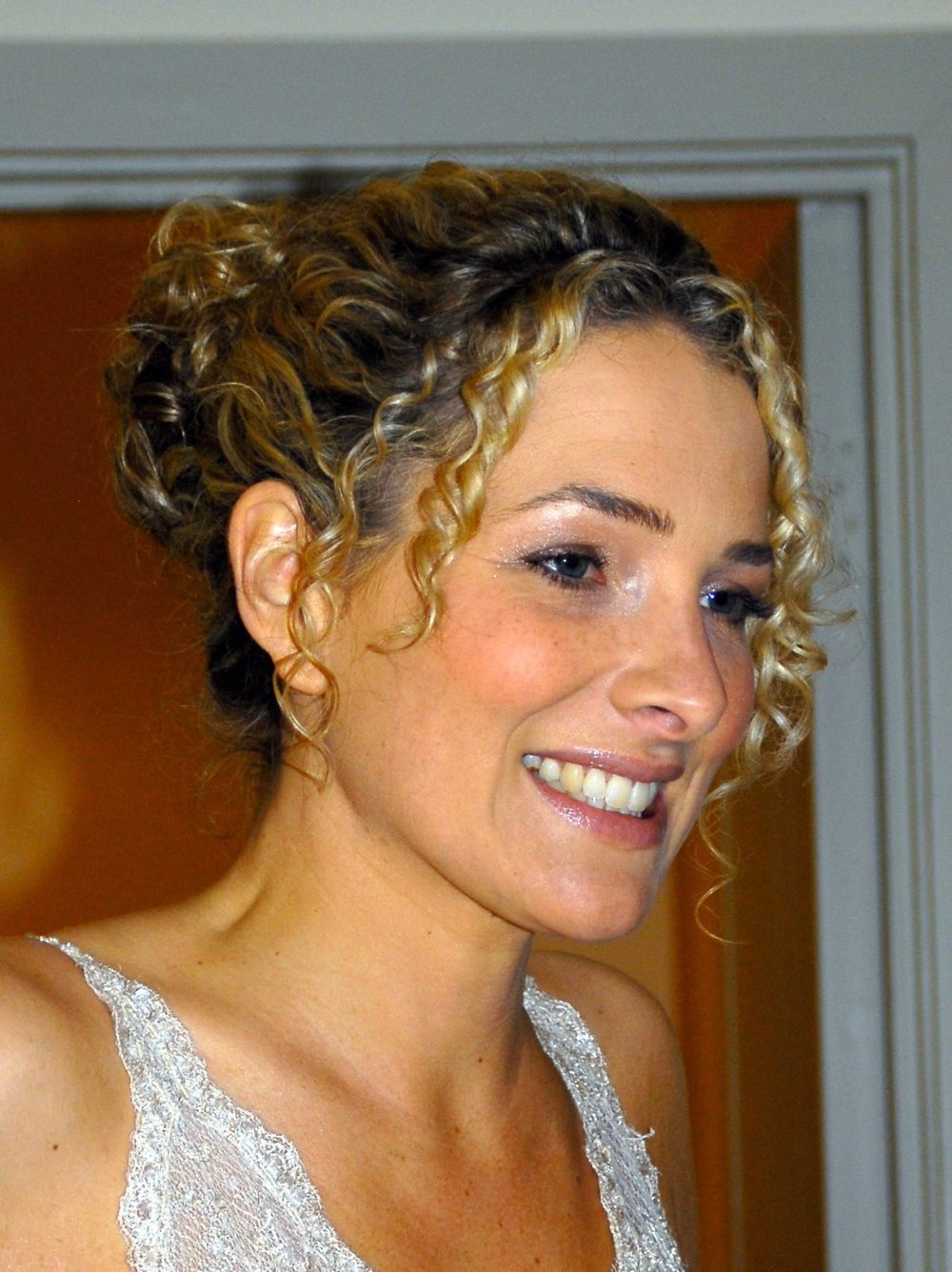 hair styled curly hair wedding hair inspiration for brides with curly 7983