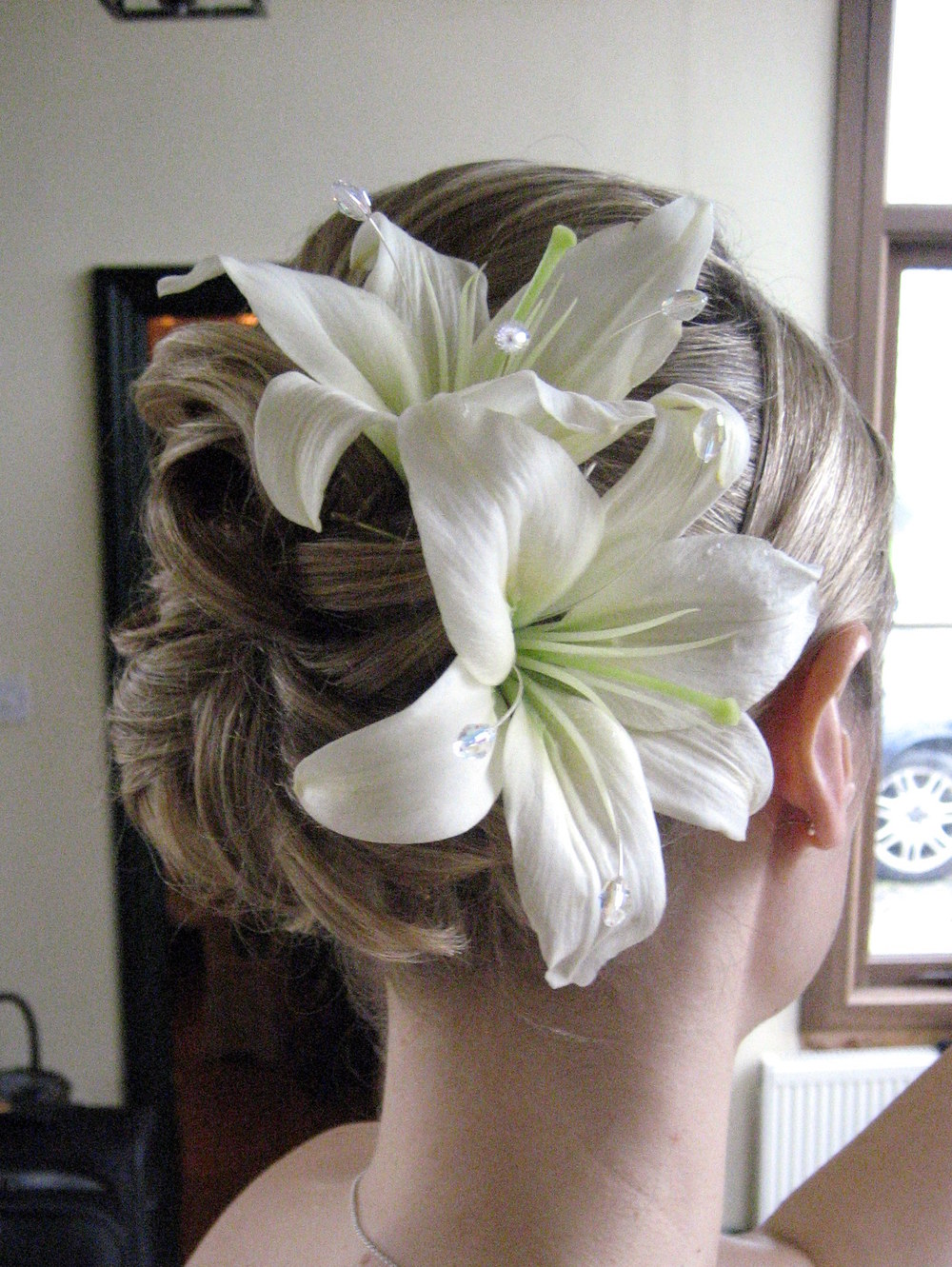 Classic Vintage inspired hair up with fresh flowers