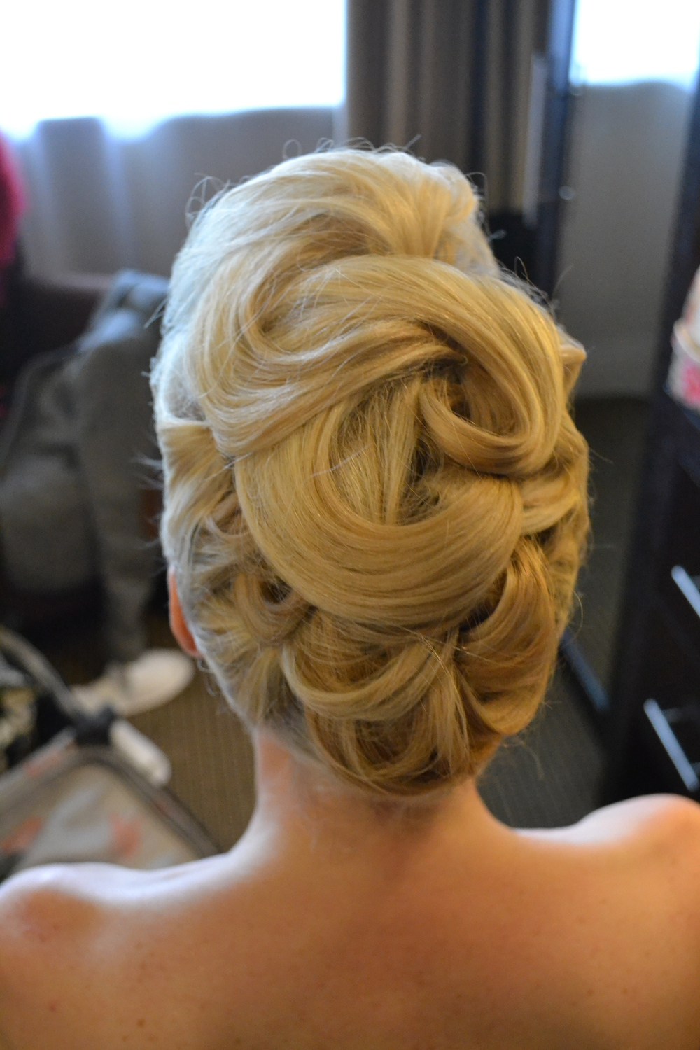 Sculpted hair up