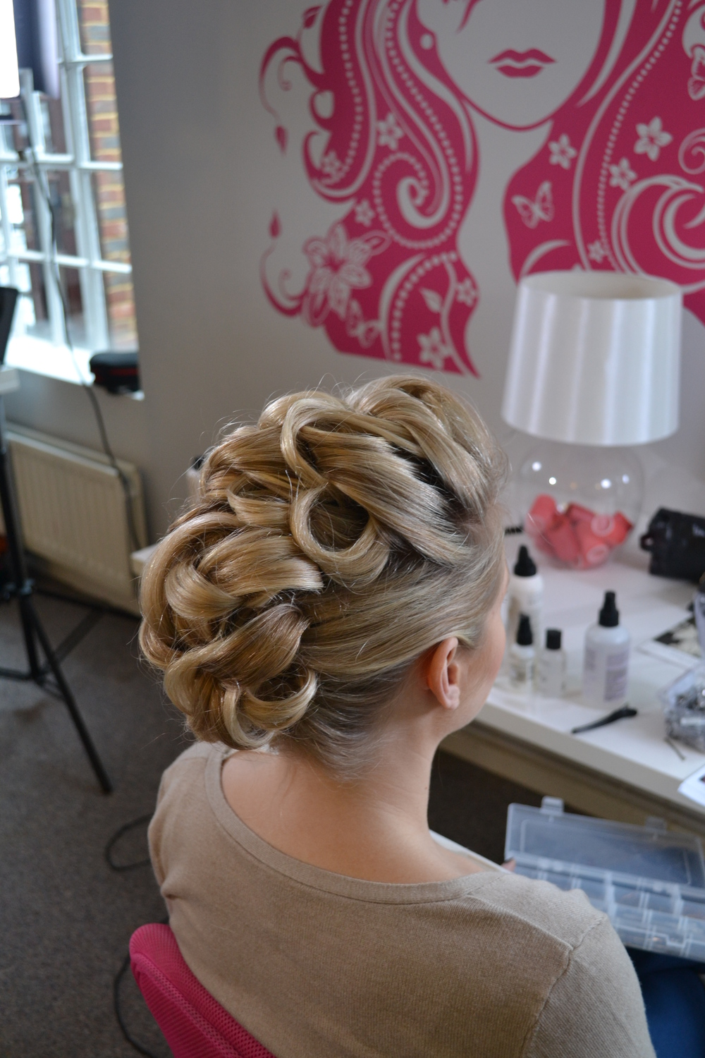 Contempory hair up style