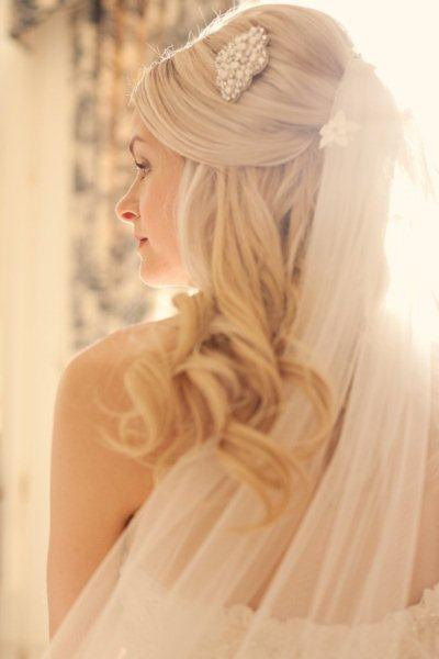 Bridal waves and curls