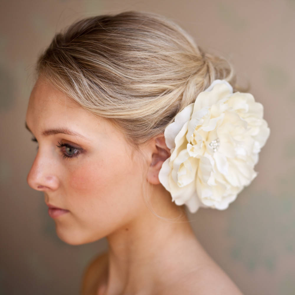 Large ivory silk flower clip