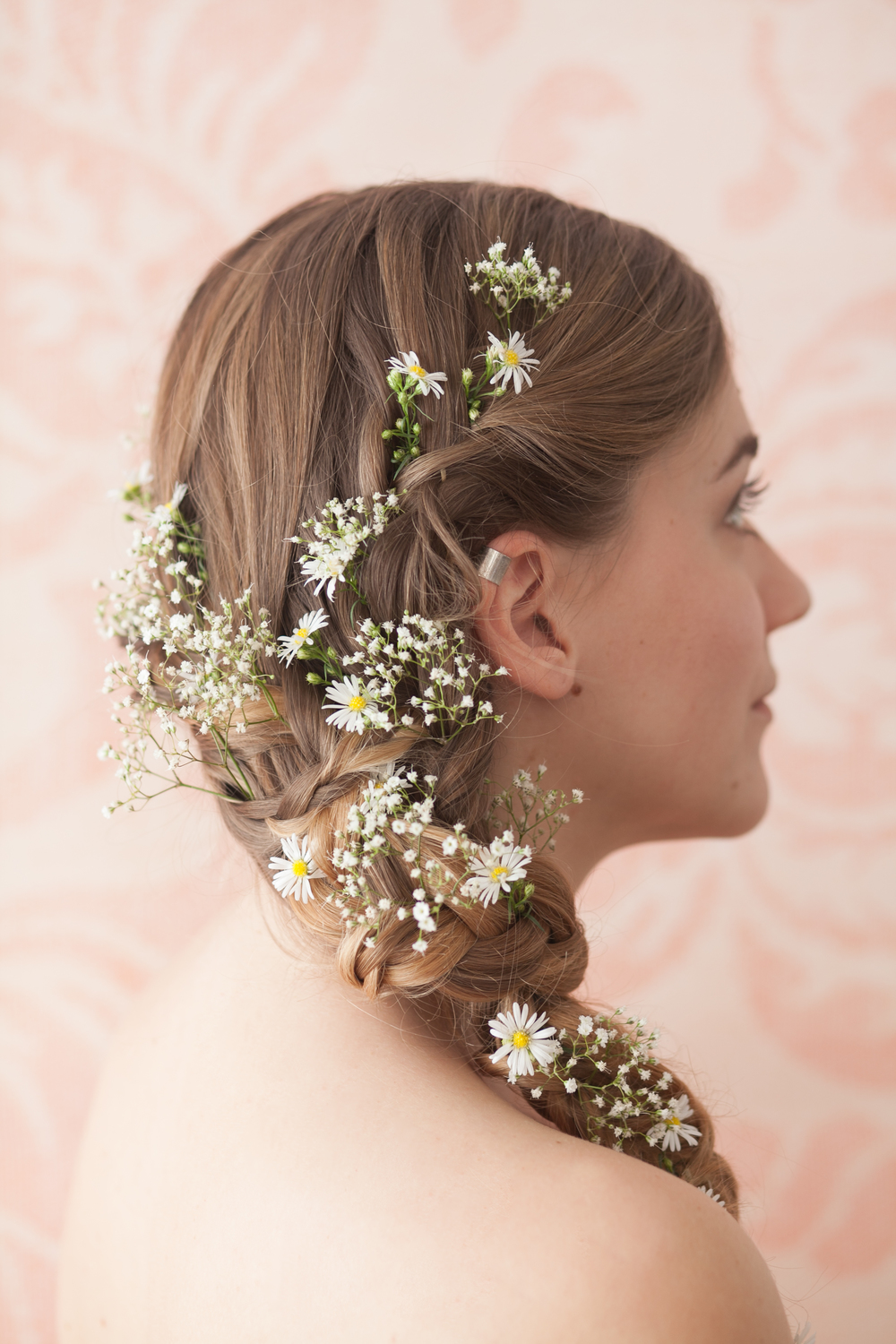Wide daisy and gypsophila side plait