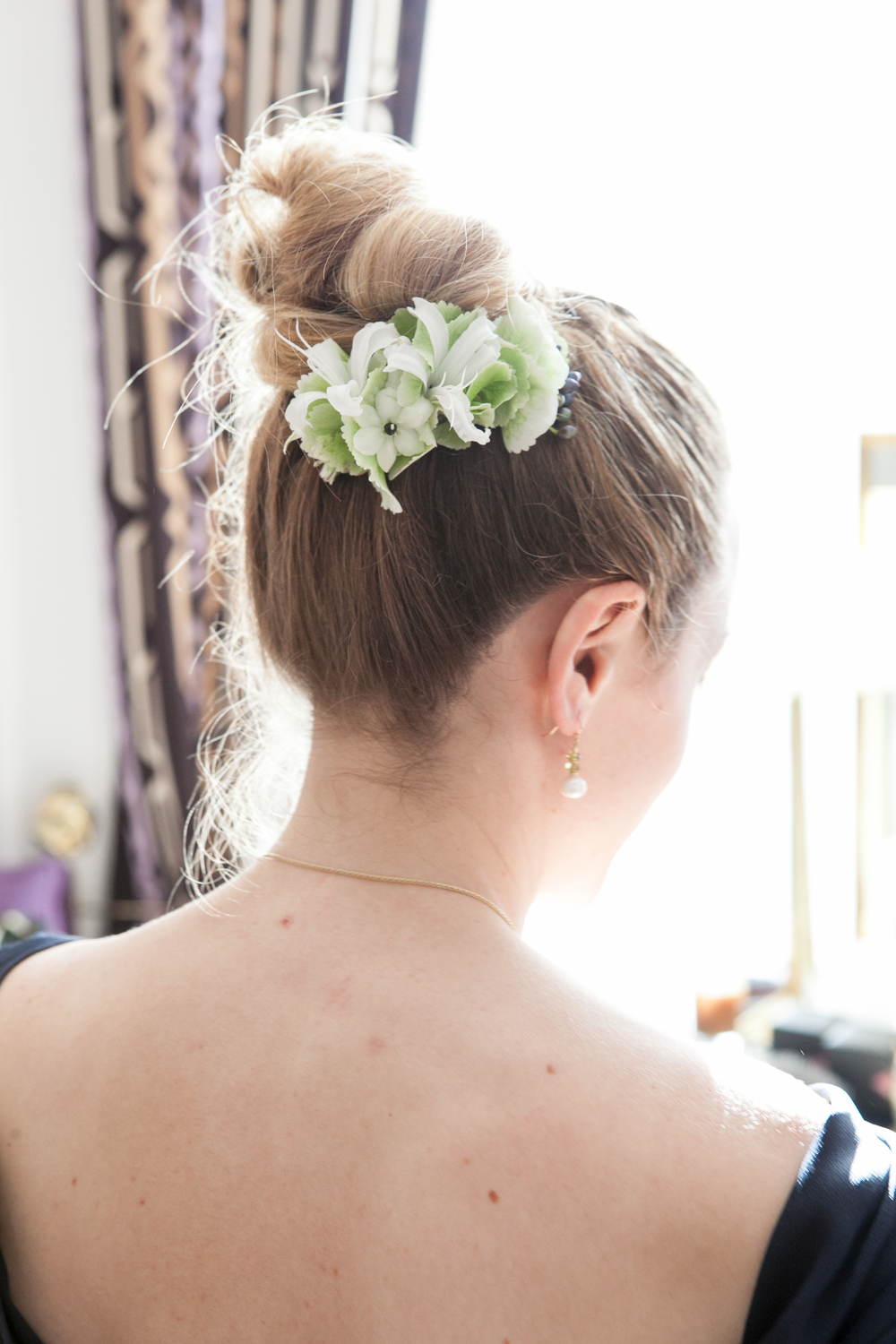 Top knot with flowers