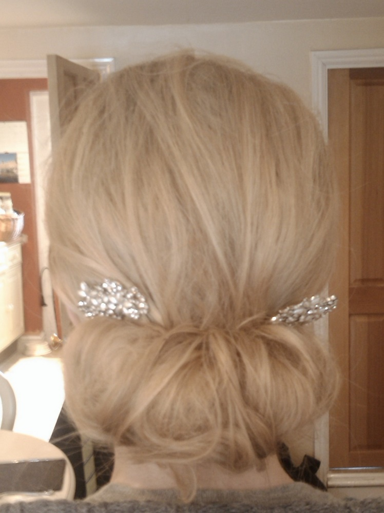 Vintage style hair roll
