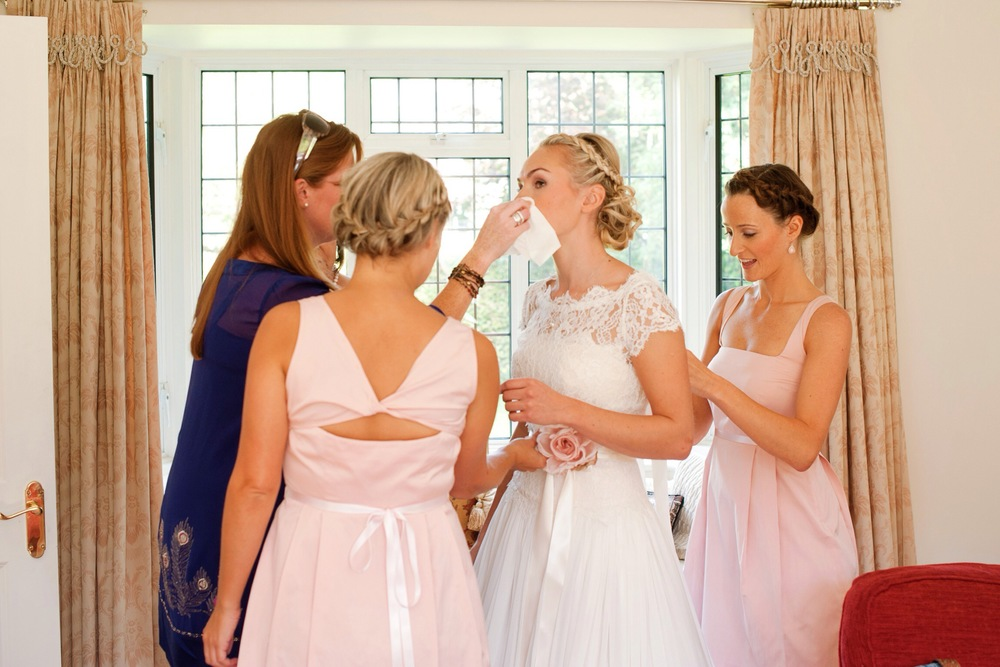 FInishing touches - elegant country house wedding