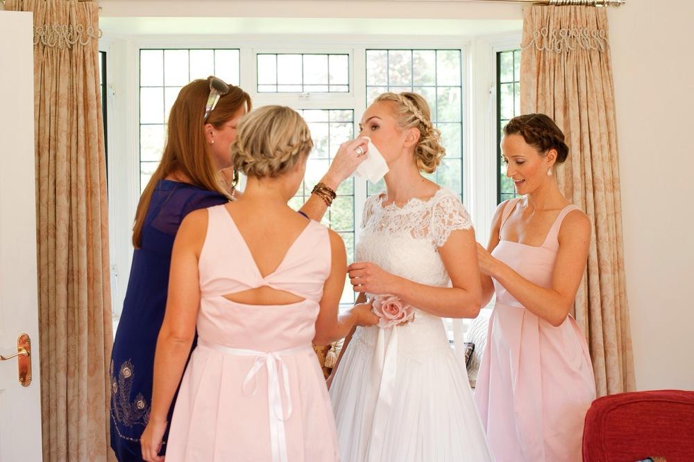 FInishing touches - elegant country house wedding
